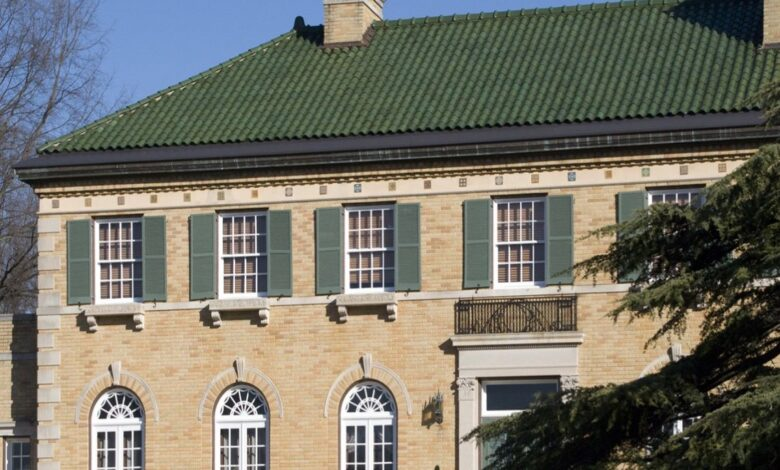Photo of What Colors Go Best with Green Terra cotta Roof Tiles?
